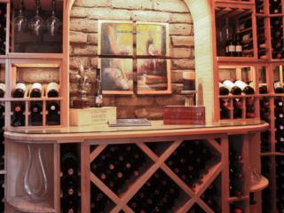 Traditional wine storage room, custom design & install by Innovative Wine Cellar Designs.